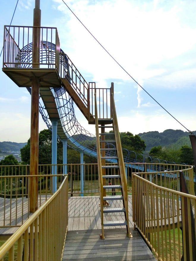 滑り台上り口/波方公園
