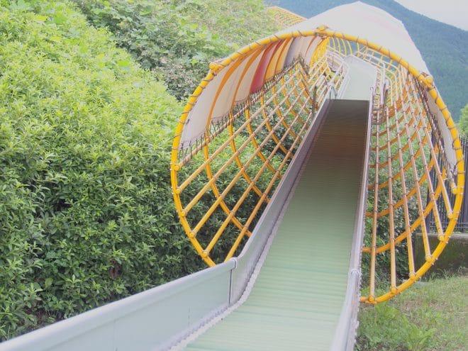 やまじ風公園巨大滑り台5