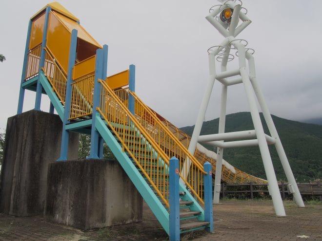 やまじ風公園巨大滑り台4