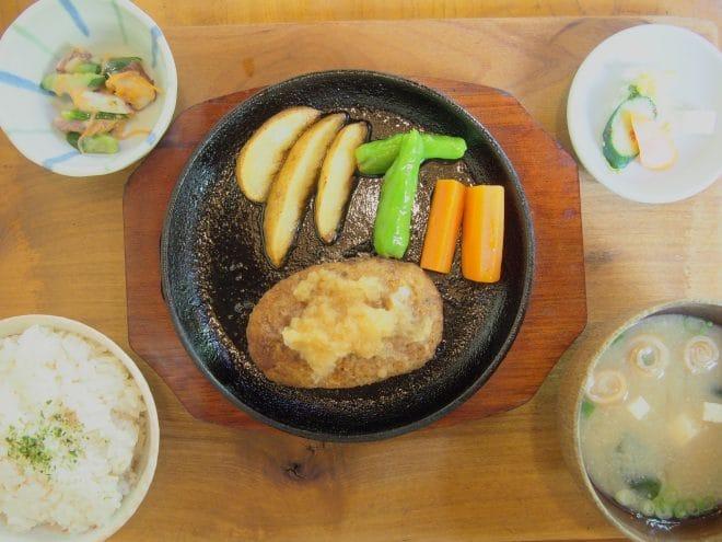 山口里の店豆腐ハンバーグ定食1