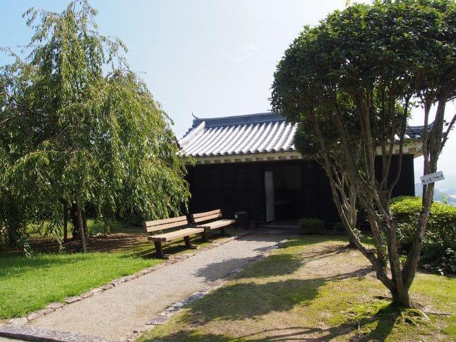 川之江城トイレ1