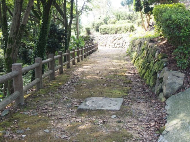 川之江城城山公園遊歩道1