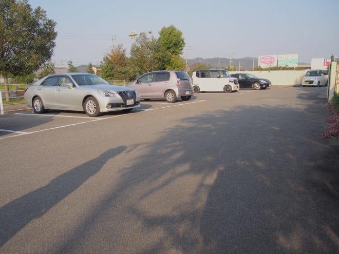 アンレーヌカフェ_駐車場1