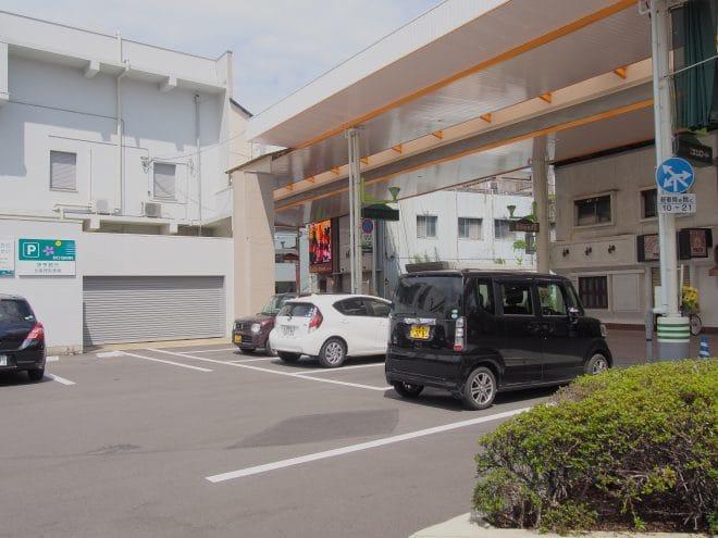 Nijicafe駐車場