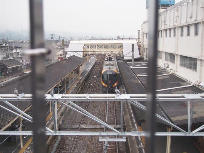 伊予西条駅ぽっぽ橋