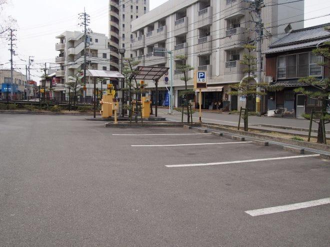 道後公園西口駐車場
