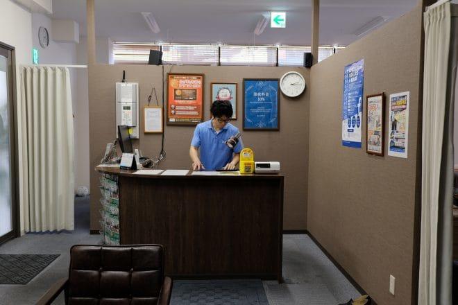 あしカラダ店内1