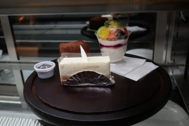 「ROSE CAFE 羅座亜留竹原」(ローズカフェ ラザール竹原)ケーキ