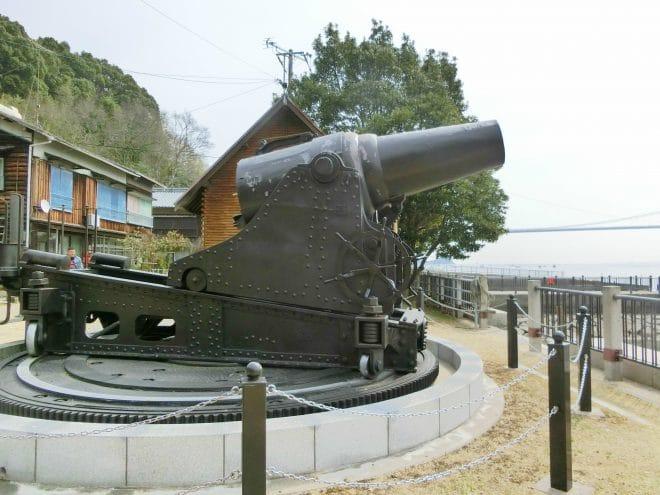 28cm榴弾砲のレプリカ