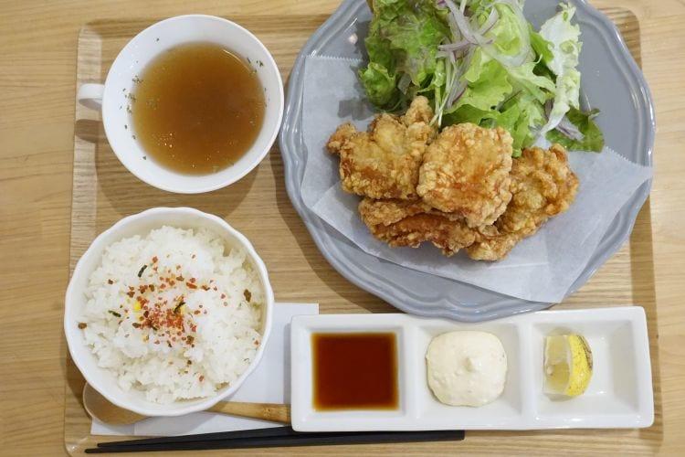 KintaroCafe唐揚げ定食