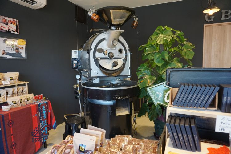 GBCチョコレートファクトリー店内 焙煎機