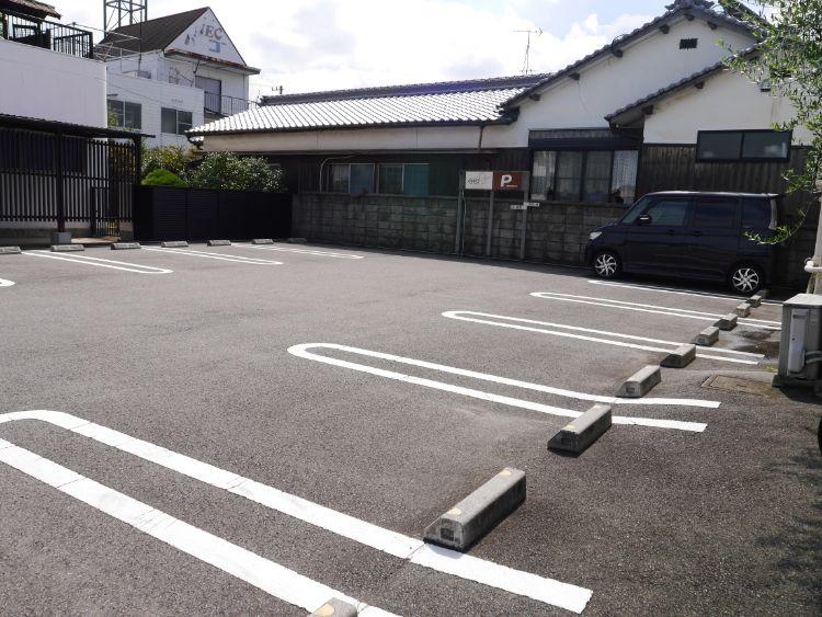 クックス 駐車場2