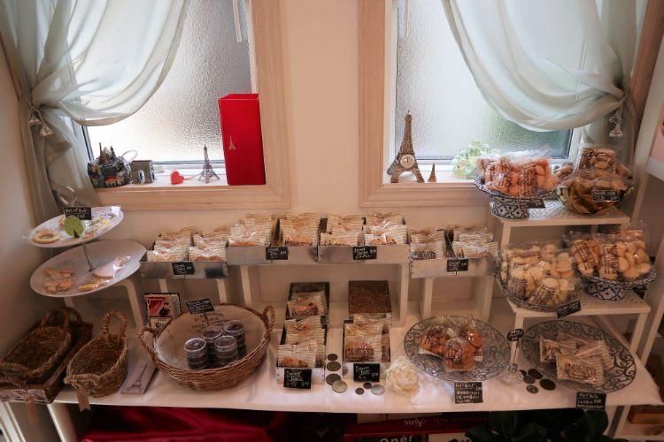 AINA 焼き菓子コーナー