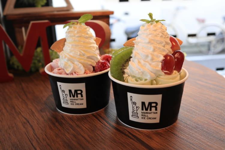 マンハッタンロールアイスクリーム 木苺&ホワイトチョコとキウイグレープ