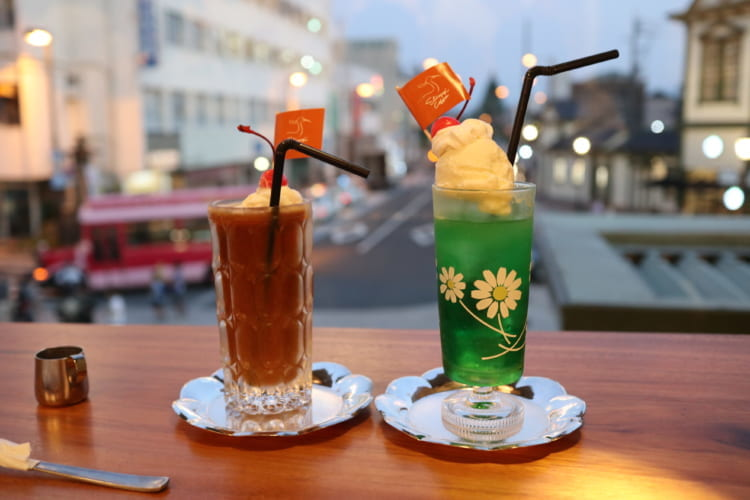 白鷺珈琲 メロンクリームソーダとコーヒーフロート