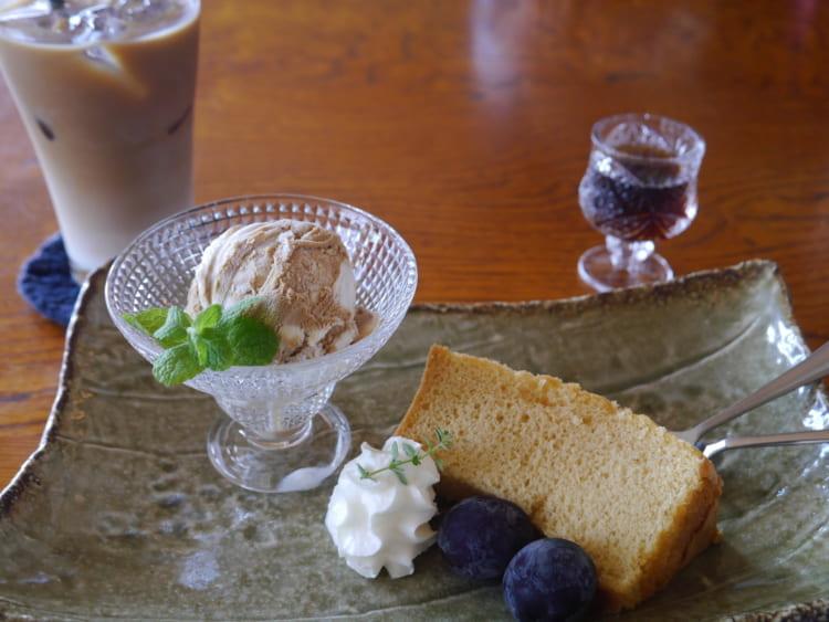 MITSUBACHI 本日のデザートとカフェオレ