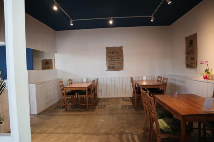 ユノマコーヒー店内2
