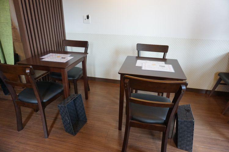 小春日和 テーブル席1