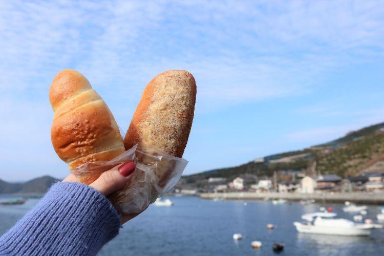 パンメゾン 塩パンと海1