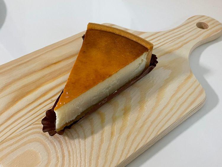 シャトレーゼ購入品 濃厚ベイクドチーズケーキ
