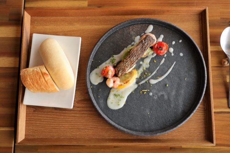 モンドブルー 魚料理1