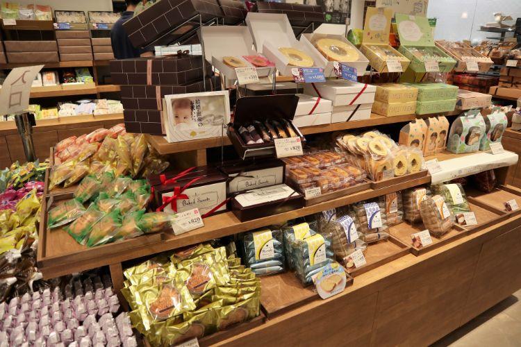 シャトレーゼ 焼き菓子コーナー4