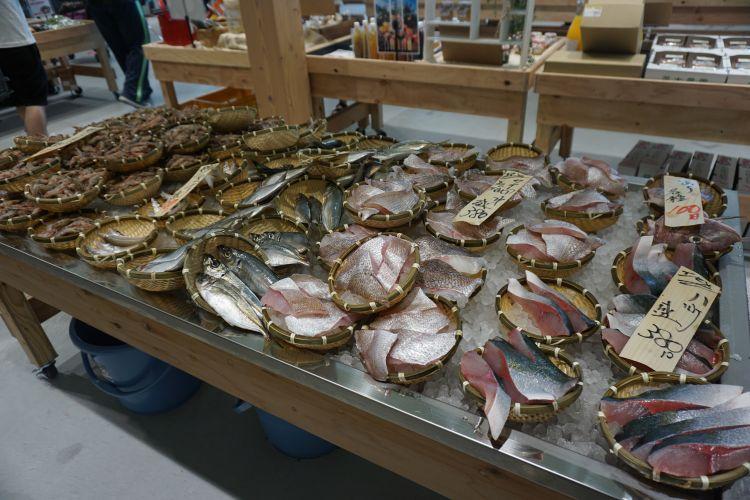 いとまちマルシェ魚