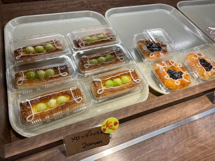 サイサイカフェ パン売り場2