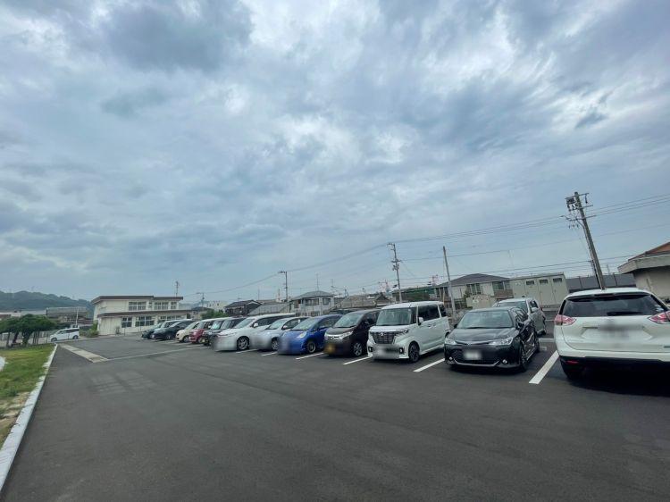 ワクリエ 駐車場