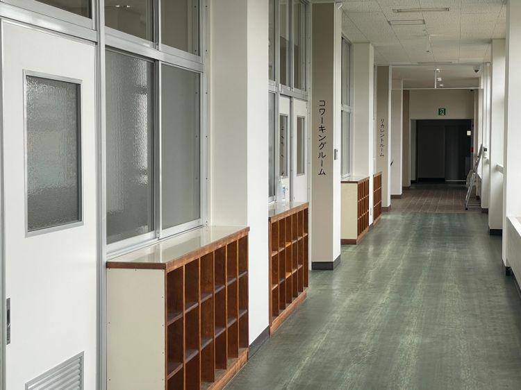 ワクリエ 南棟2階廊下