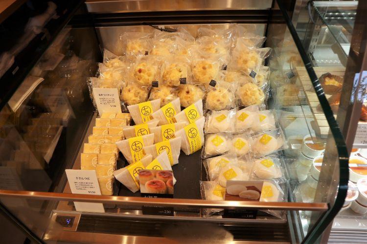 芋金 冷蔵コーナー