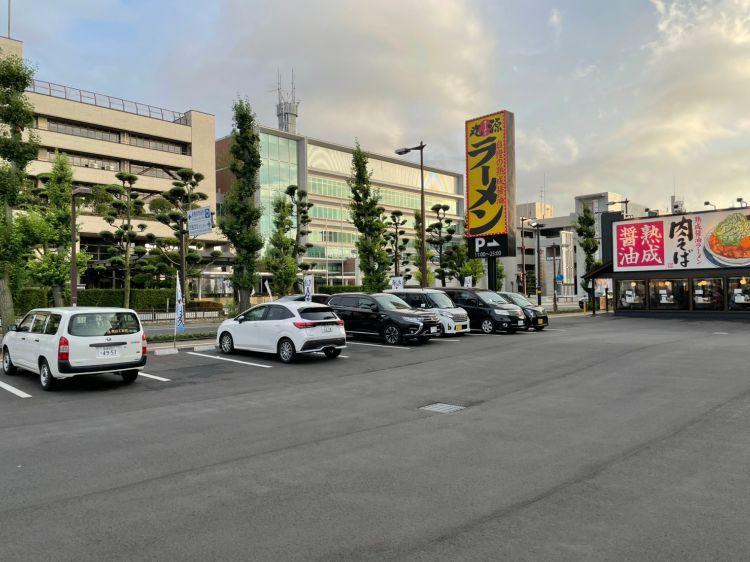 丸源 駐車場1