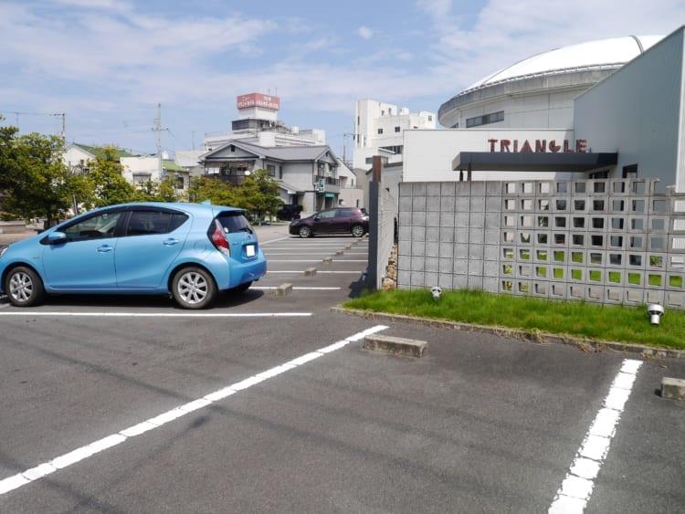 トライアングル駐車場