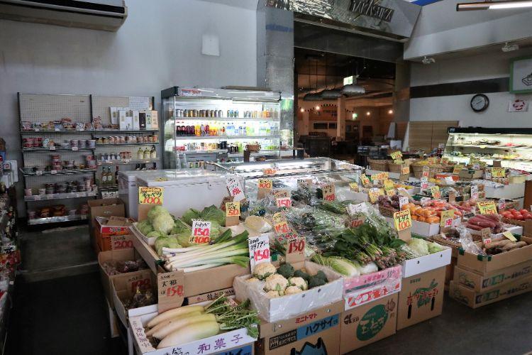 たかすか 野菜売り場1