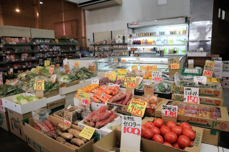 たかすか 野菜売り場2