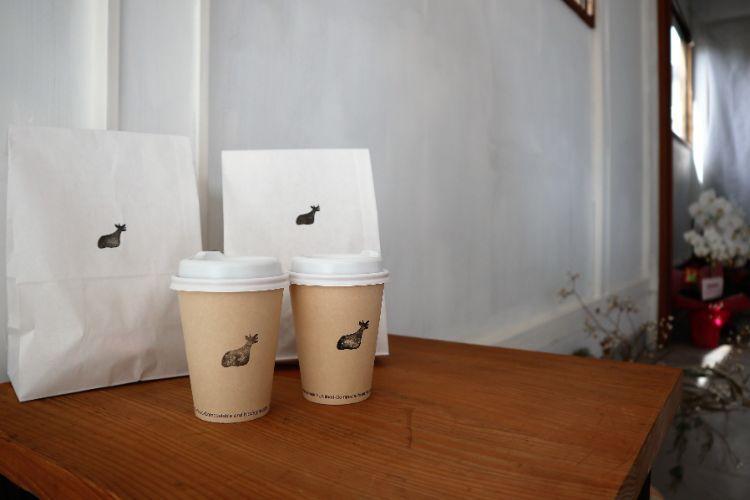 イコイコーヒー カップと紙袋