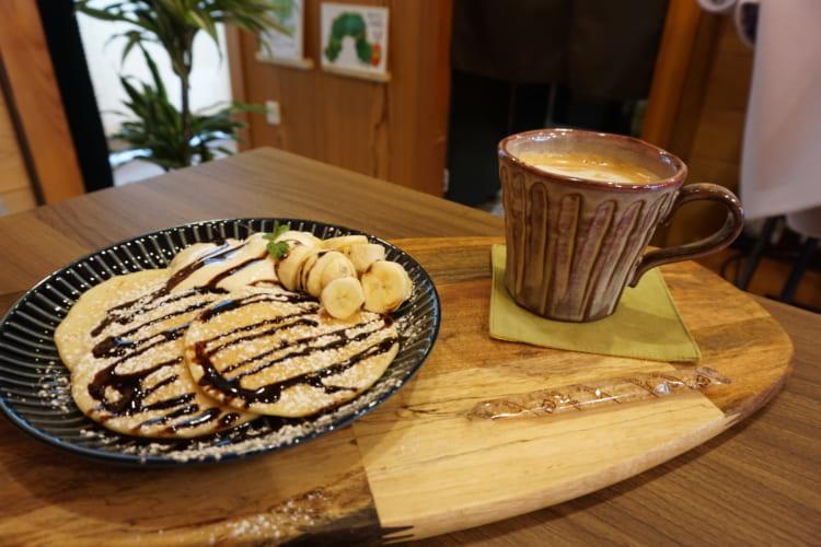 CLANXCLAN チョコバナナパンケーキとカフェラテ