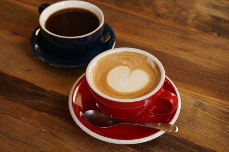 D&3シングルコーヒーとカフェラテ
