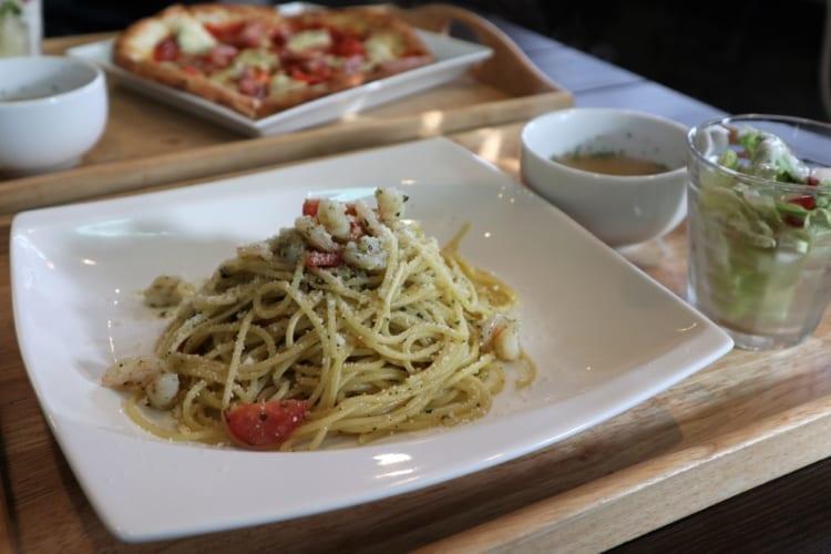 ロワジール エビとトマトのジェノベーゼ1