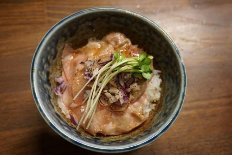カム チャーシュー丼1