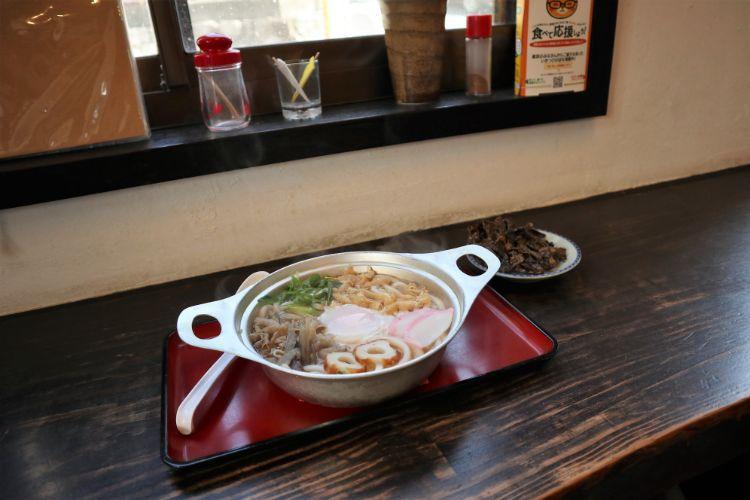 まんま 鍋焼きうどん1