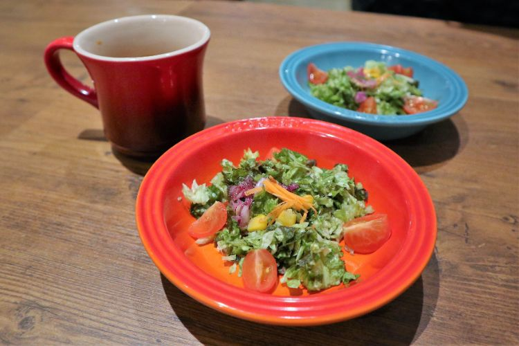 肉銀 サラダ