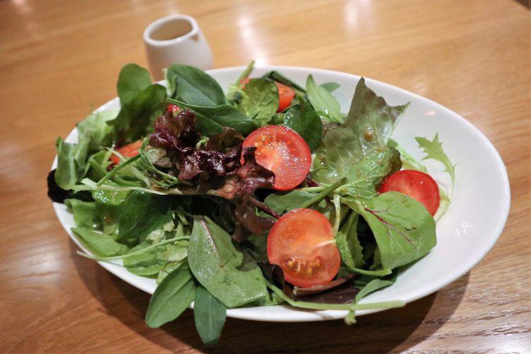 俺のギョーザ おまかせ野菜サラダ