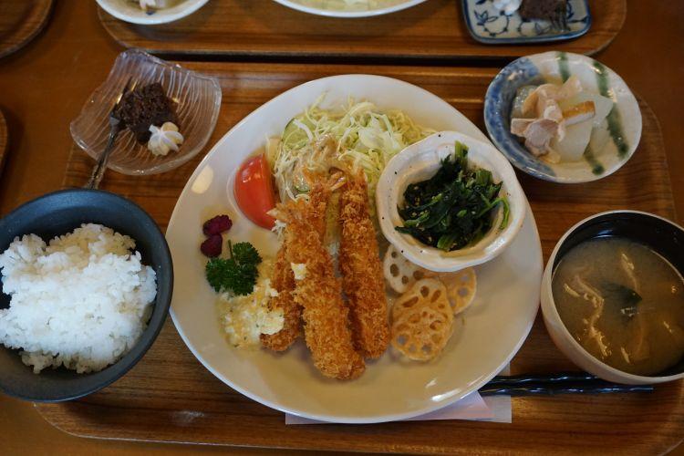 てるま 日替わりランチ魚1