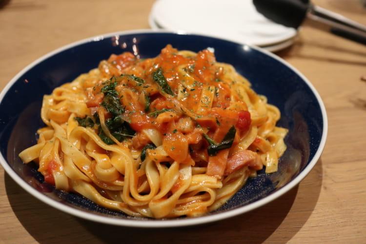 ランゴロ トマトとベーコンのパスタ