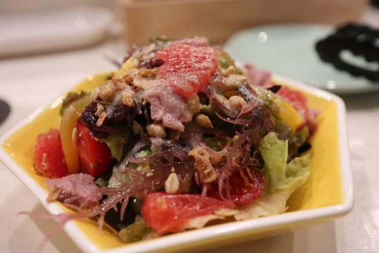 バンビ 鴨の燻製バンビサラダ 自家製旬のリンゴドレッシング2