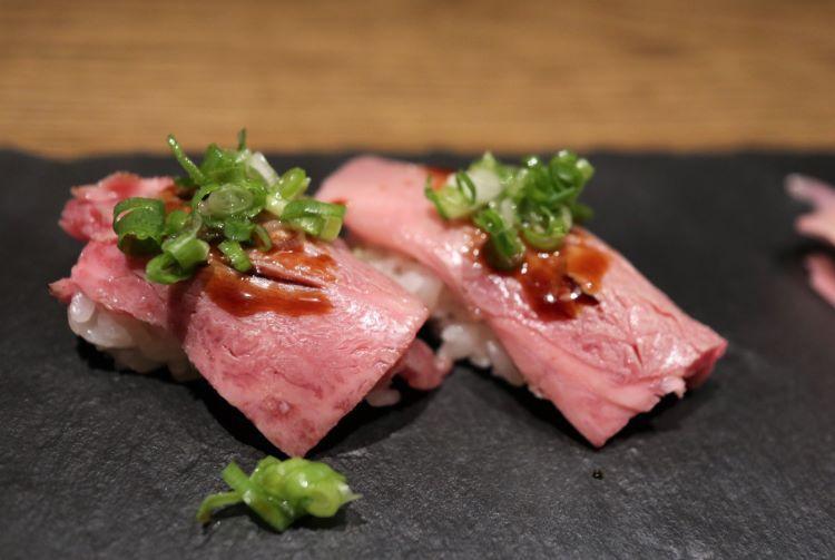 ひら井 トロ炙り寿司