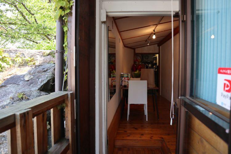 プルトリ 奥の厨房
