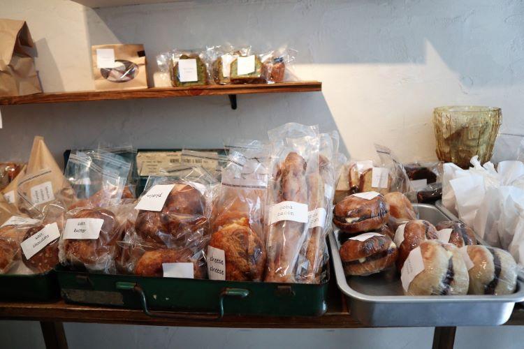 ヤマトヤベイク 店内パン2