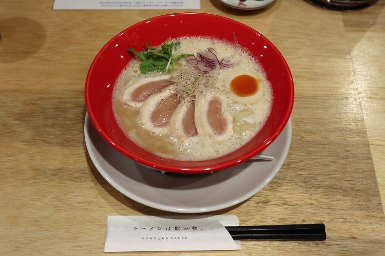 カネオカラーメン 海老鶏白湯ラーメン1